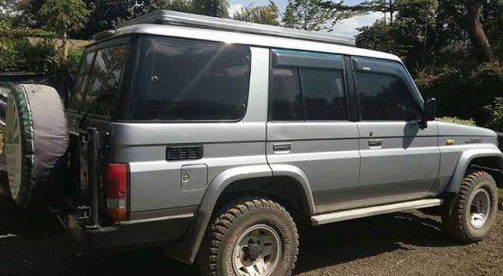 Hire a car in Rwanda